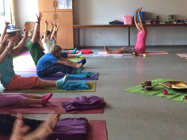 Kinder beim Pilates