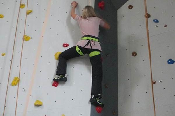 Klettern in der Indoor Halle